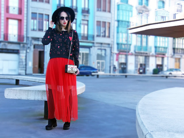 fashion, moda, look, outfit, blog, blogger, walking, penny, lane, streetstyle, style, estilo, trendy, rock, boho, chic, cool, casual, ropa, cloth, garment, inspiration, fashionblogger, art, photo, photograph, Avilés, oviedo, gijón, asturias, valentin, valentine, enamordos, love, lover, tulle, tul,