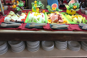 pineapple and melon slices at Pirates Village lunch buffet