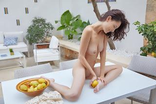 young girls - sade_mare_25_03577_10.jpg