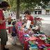 La Feria del Encuentro resiste su espacio en la Plaza Giordano Bruno