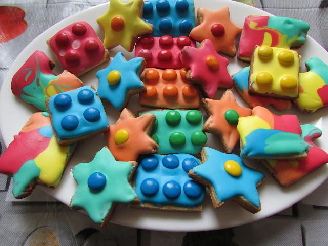 ciastka klocki, ciastka kwiatki, ciastka puzzle