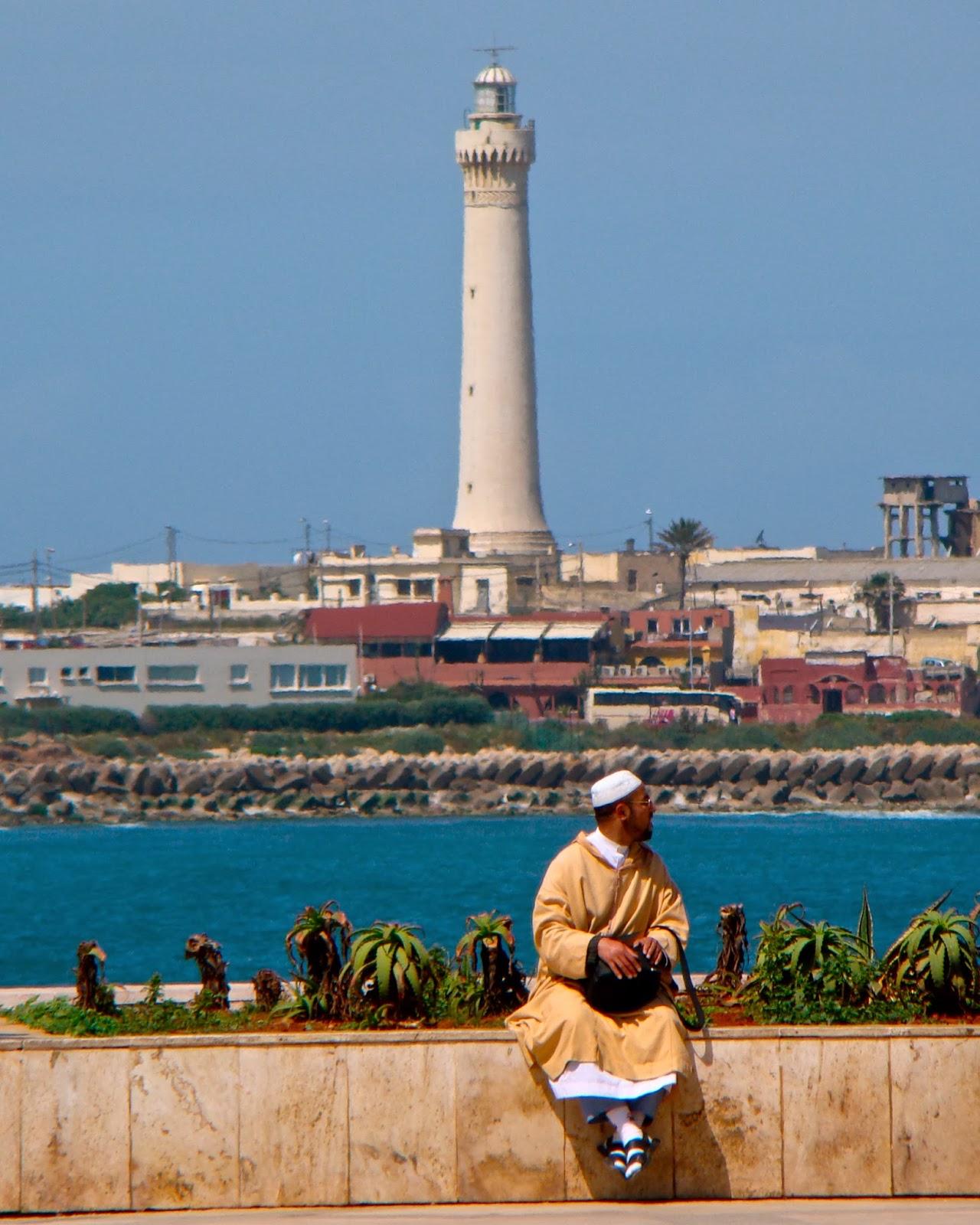 Casablanca gets laid - 4 1