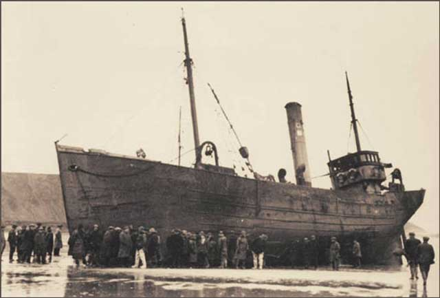 Stranded trawler Nordale, lost on 15 January 1942 worldwartwo.filminspector.com