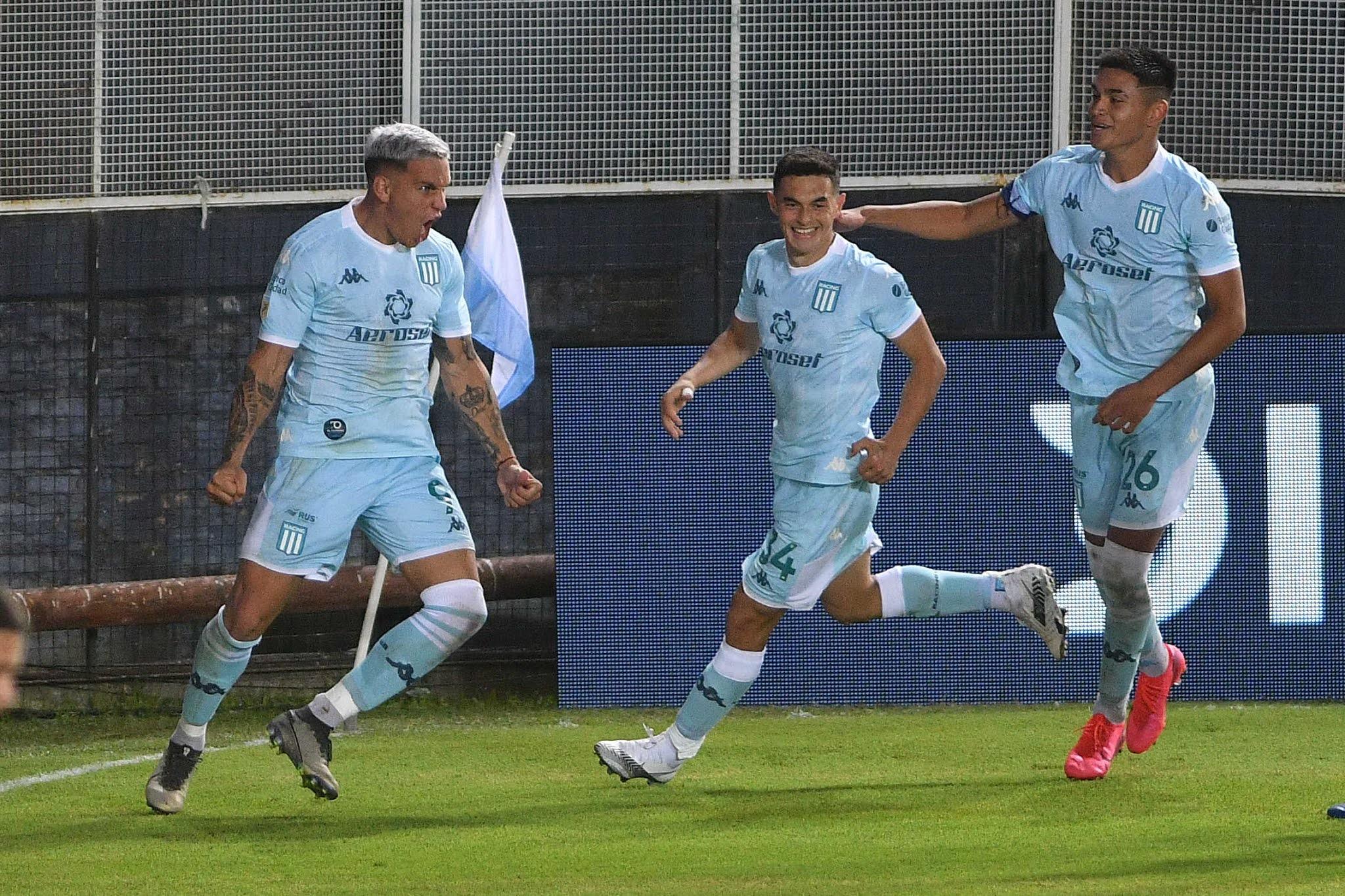 Racing Club consiguió la primera victoria en el torneo ante Rosario Central