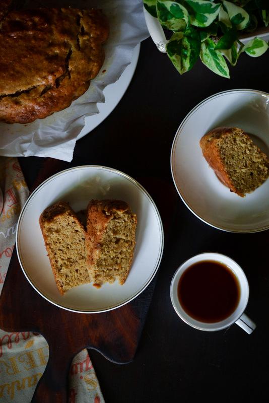 Eggless whole wheat banana cake with tea