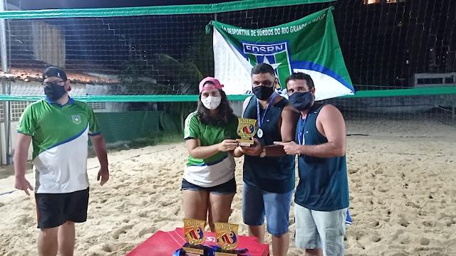 Prefeitura de Caraúbas apoia participação de  surdos em circuito de vôlei