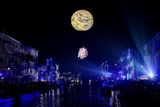 Βενετία: Το καρναβάλι ξεκίνησε με «παρέλαση» πλωτών αρμάτων