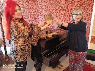 Bb.cc._Silvana Grasso dona collezione del marito a museo di Gela