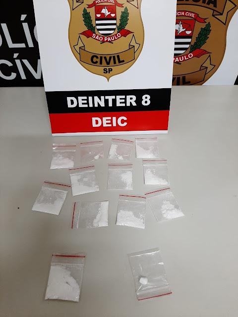 Homem se passa por motorista de aplicativo para distribuir cocaína, é denunciado e acaba preso