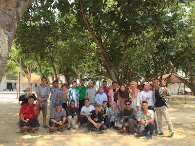 Foto bareng para blogger dan vlogger di Pulau Bidadari