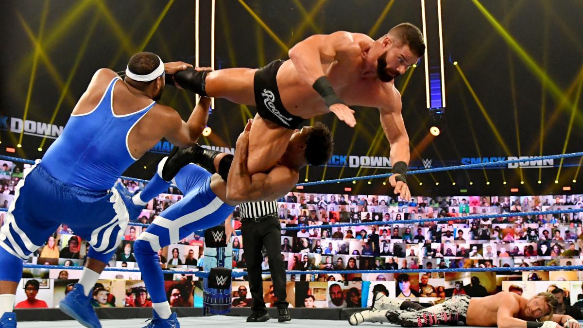 WWE pode adiantar possíveis combates do TLC para o RAW e o SmackDown