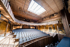 Nevill Holt Theatre (Photo Robert Workman)