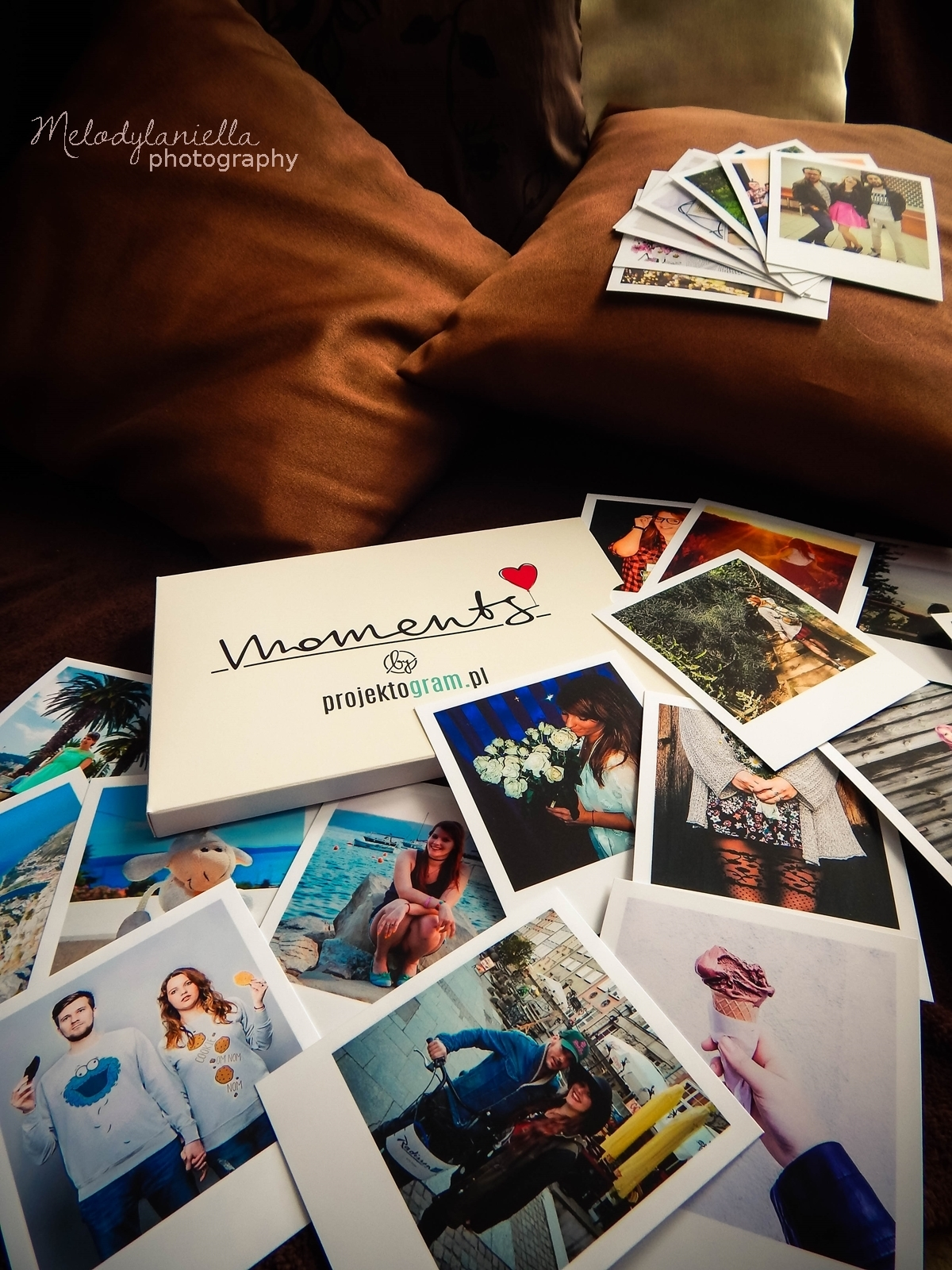 projektogram zdjecia polaroid polaroidy wywolane instagram kwadraty nietypowe wywolanie zdjec wspomnienia z wakacji prezent dla lubiacych zdjecia nowosc aplikacja wydruk