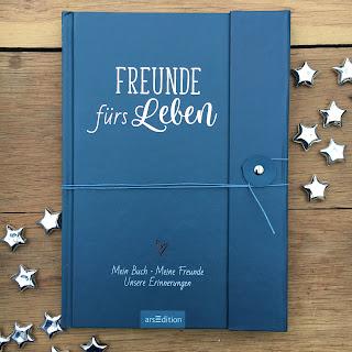 """Freundebuch für Erwachsene: """"Freunde fürs Leben: Mein Buch. Meine Freunde. Unsere Einnerungen"""" aus dem Verlag ArsEdition, ausführliche Vorstellung auf Kinderbuchblog Familienbuecherei"""