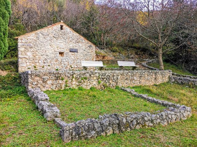 Ostaci samostana iz 1454 godine