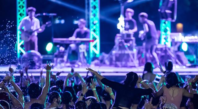 ANALİZ: Müzik toplumda büyüyen yabancılaşma ve tecrit duygusunun panzehiri, sosyal merhemidir