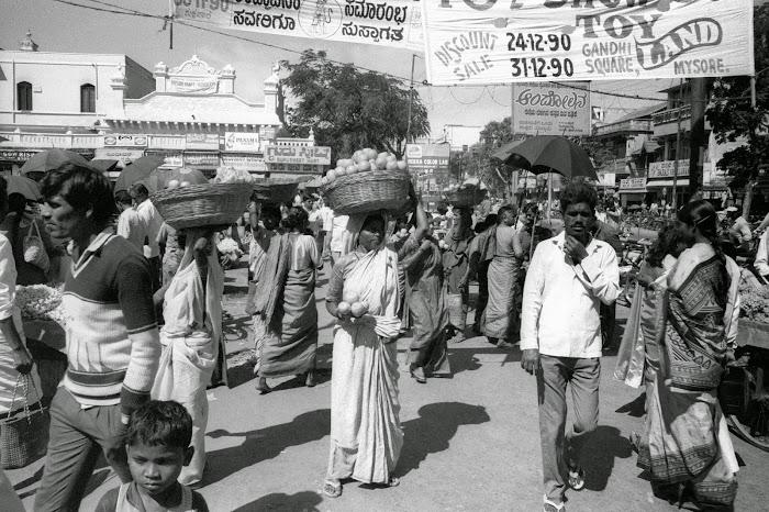 Mysore, Mysuru, Bomboo Bazar, © L. Gigout, 1990