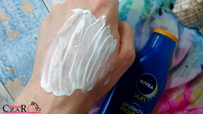 Nivea Sun Protect&Moisture nawilżający balsam do opalania SPF 30