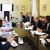 Mauricio Macri firmó el decreto del bono de $5000 para los privados