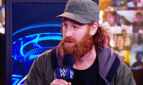 سامي زين: رومان رينز أصبح يتلاعب بالمسؤولين في WWE