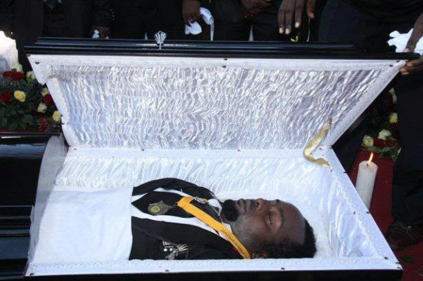 Mwanaharakati: Mazishi Ya Kanumba Yahudhuriwa Na Maelfu Ya