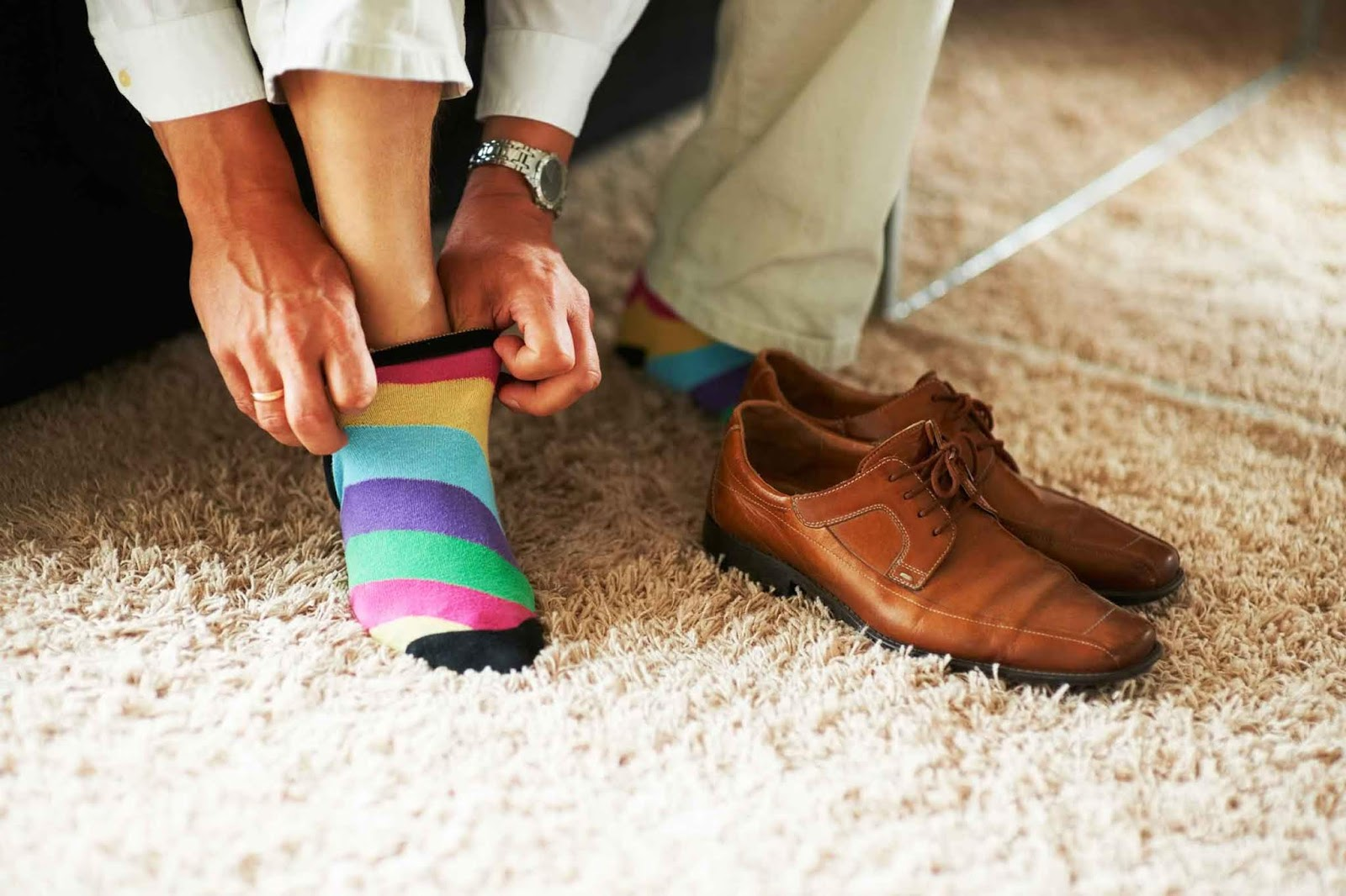 Scientists Ask To Stop Wearing Shoes At Home Because Of Diseases
