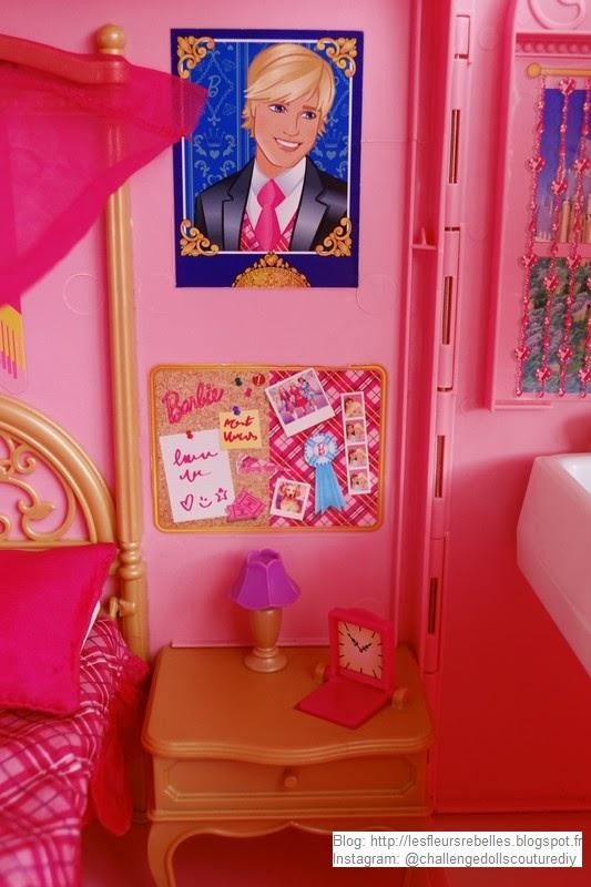 Table de chevet Barbie réveil ouvert