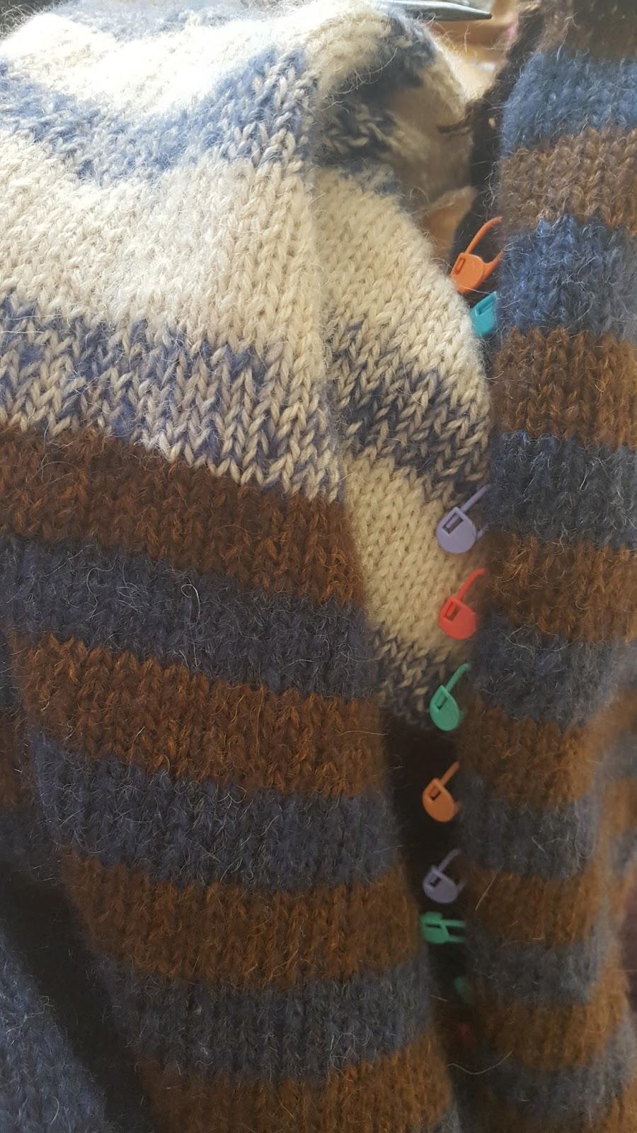 9183ffc6 Oppskrift på genseren er et Dale design, modellen har nr 355-08 og navnet  er Gemma genseren. Den er strikket i Alpakka Forte fra Dale Garn, og  Kidsilk Erle ...