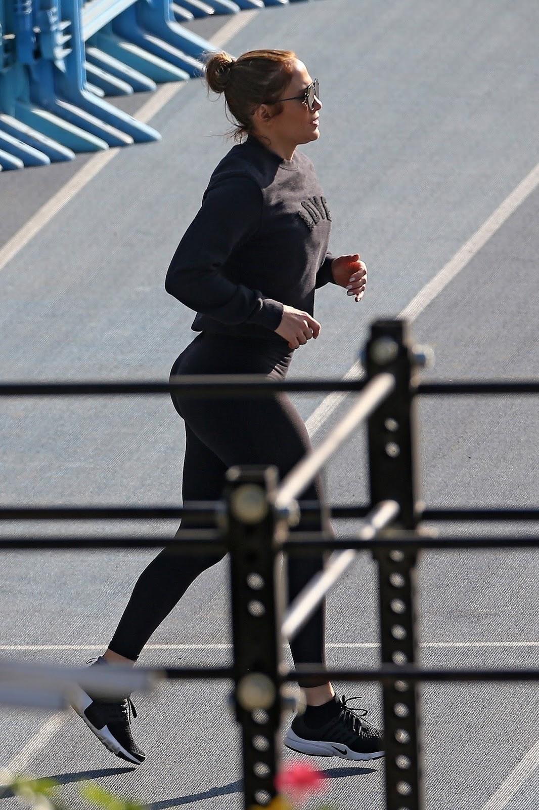Jennifer Lopez Exercise Session