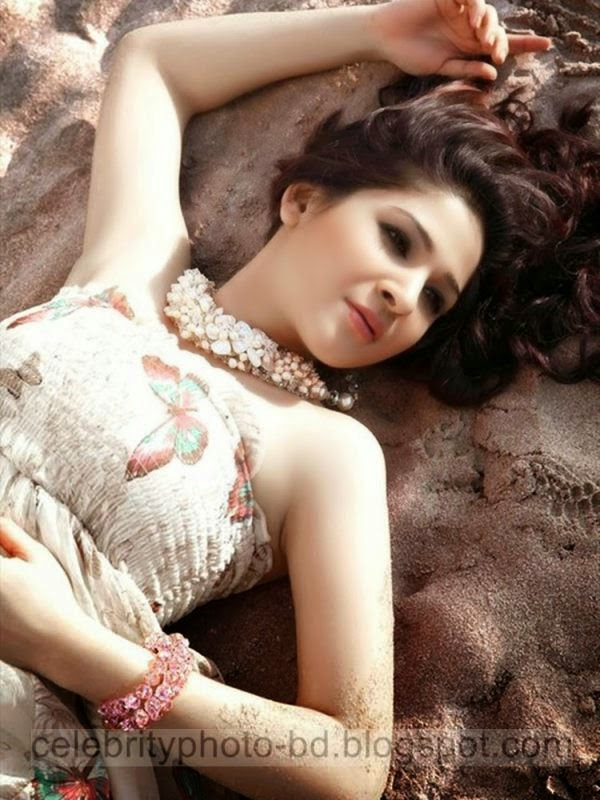 Pakistani Actress And Singer Ayesha Omar's Latest Hot Photos Collection With Short Biography