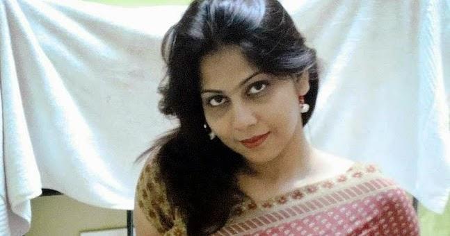 Hot Desi Gujarati Aunty Pictures In Saree - Celebrity -5404