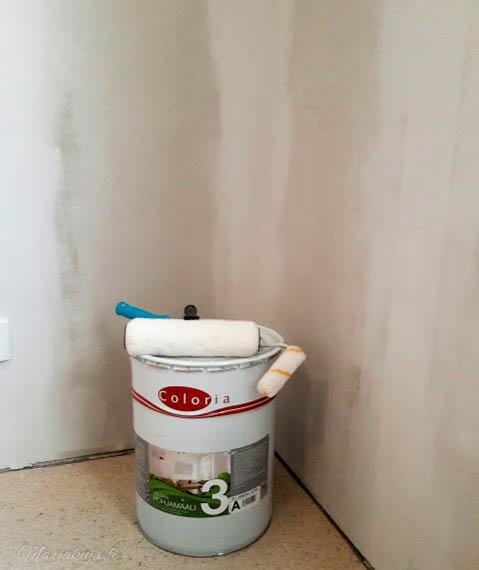 makuuhuoneen remontti seinien levytys kittaaminen maalaus