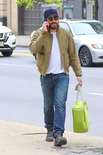 Waiting for Toothy Par... Jake Gyllenhaal Nyc