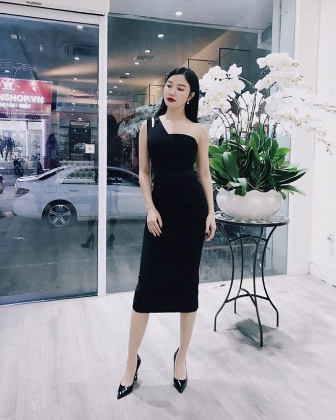 Sao Việt khoe street style phóng khoáng, phối đồ tôn chân dài miên man -16