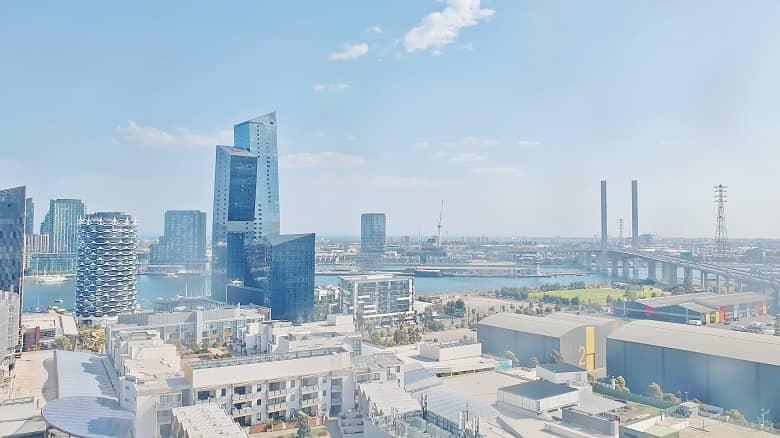 city escape view of Melbourne