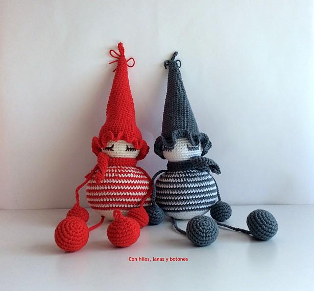 Con hilos, lanas y botones: Duende amigurumi de Navidad (patrón gratuito de Pitusas y Petetes)