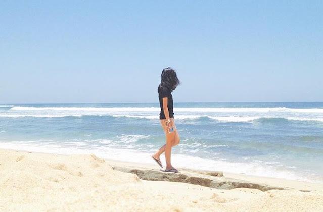 pasir-putih-pantai-watukodok