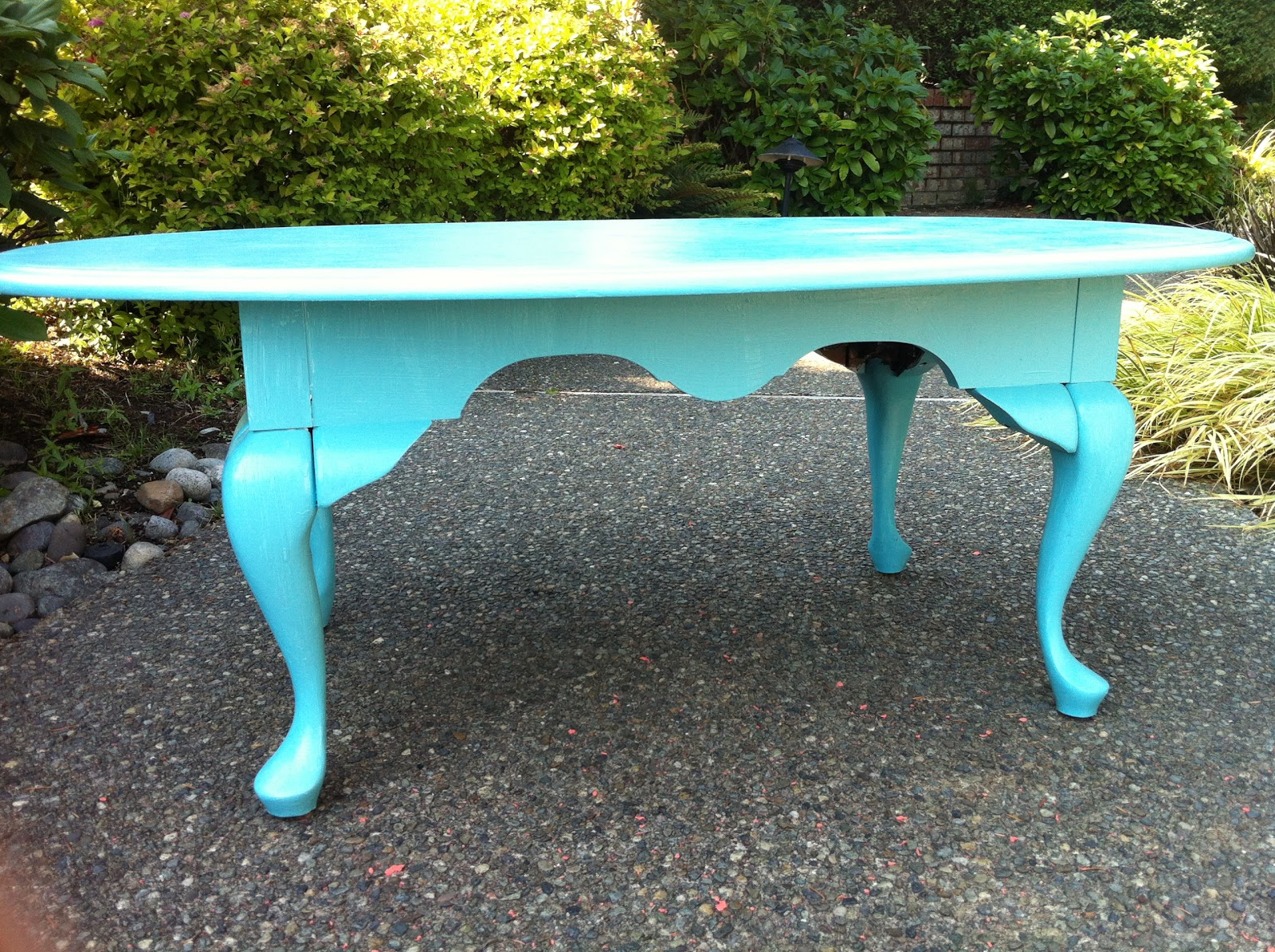 Sophisticated Junk Pile: Turquoise Coffee Table