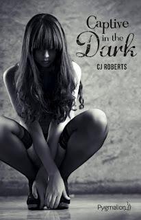 http://www.unbrindelecture.com/2015/08/the-dark-duet-tome-1-captive-en-dark-de.html