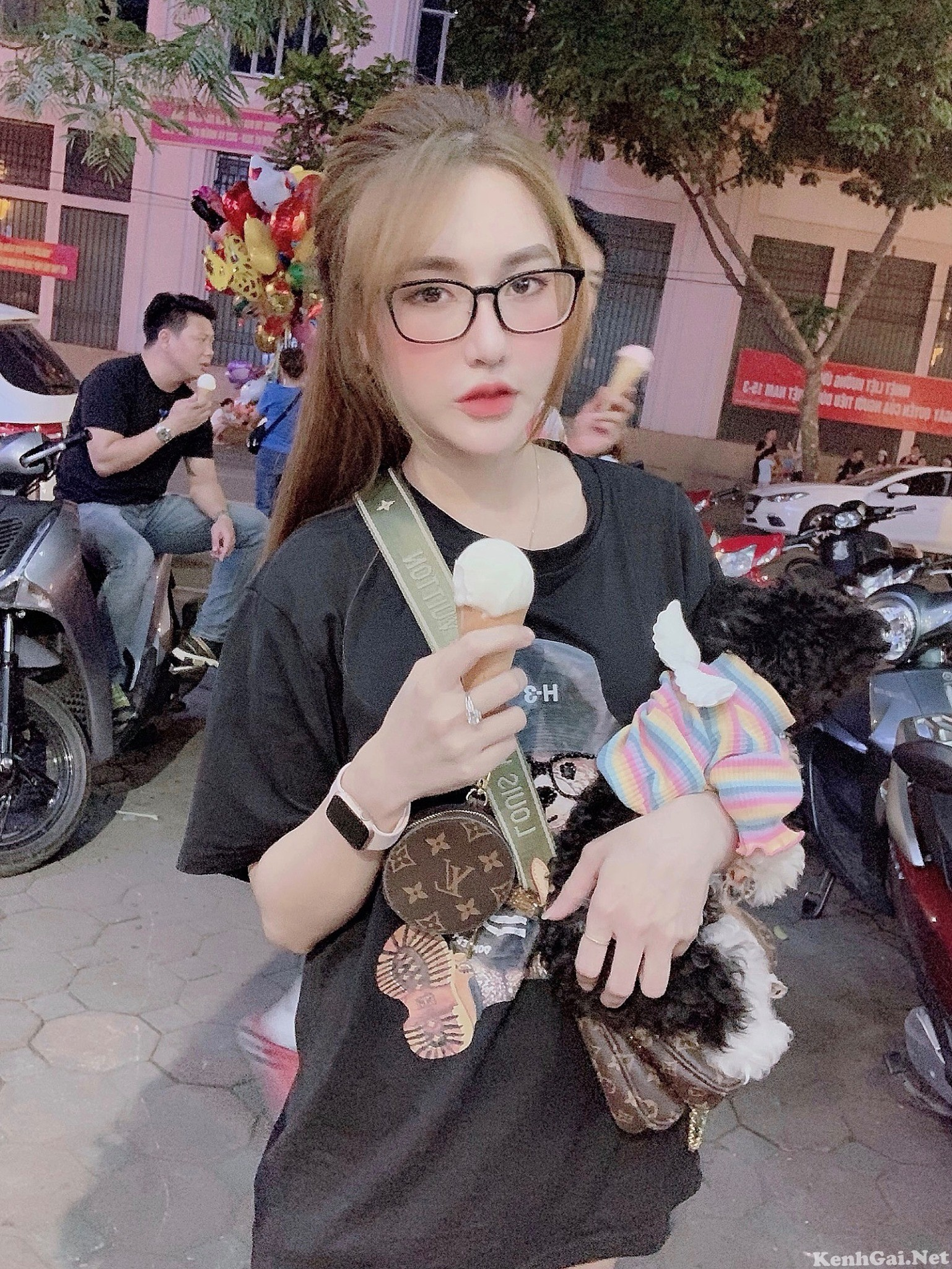 Model Hoàng Hà Trang   E-CUP