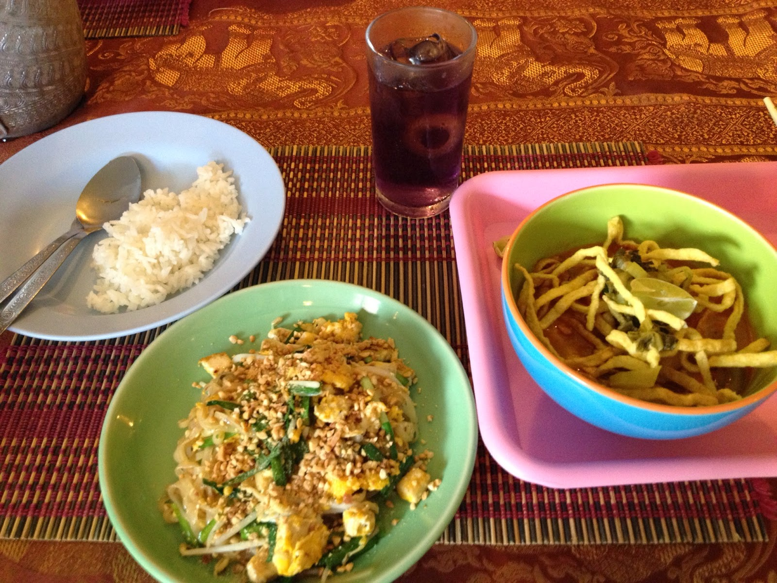 Chiang Mai - I made Pad Thai and Khao Soi. It was delicious!!