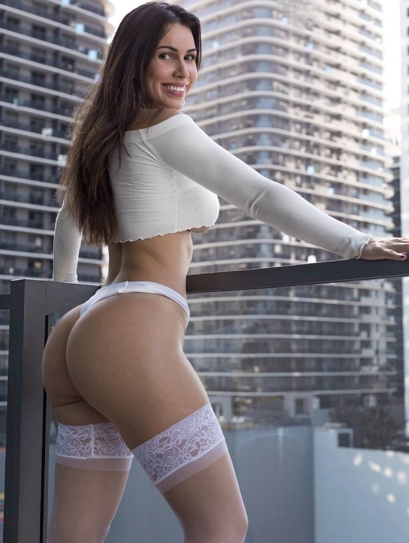 Camgirl erótica brasileira Miss Bella Brookz