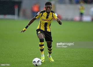 Dembele playing for Dortmund