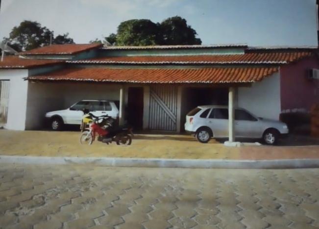 Vende-se uma casa na orla em Lima Campos;um lugar muito agradável