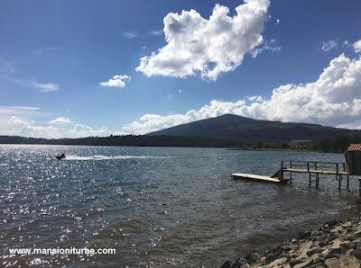 Lake Zirahuen in Michoacán
