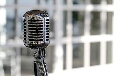 Mengenal Microphone dan prinsip kerjanya