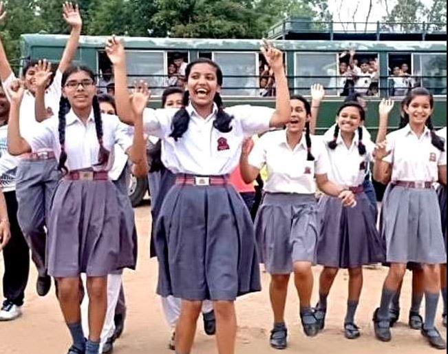 आज से कई राज्यों में खुल रहे है स्कुल और कॉलेज पर दिल्ली में खोलने की इजाजत नहीं