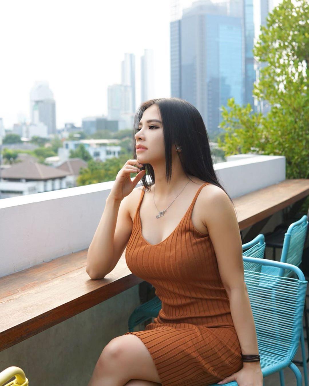Model Hot Eksotis : MODEL CANTIK SEKSI EKS PRAMUGARI
