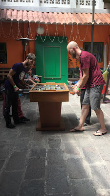 Dragonfly hostel Cusco futbolin