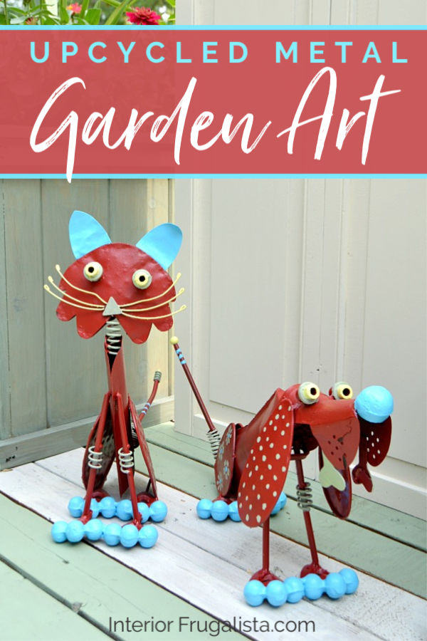How to rejuvenate weathered metal garden art with whimsical charm. An easy budget-friendly yard art upcycle rather than replacing them with brand new. #yardartanimals #metalyardart